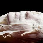 Маски для лица с молоком. Рецепты, применение.