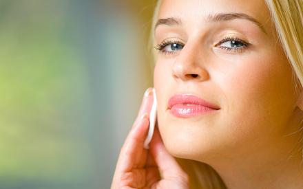 Все природные свойства клюквы для вашего лица