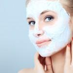 Как правильно наносить маску на лицо? Советы профессиональных косметологов