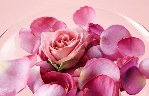 маски для лица из розы для придания гладкости и нежности