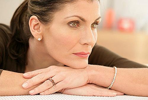 Выбор декоративной косметики для женщин после 40 лет